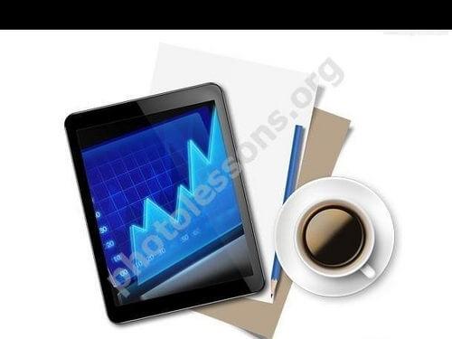 Планшет и чашка кофе